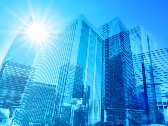 金融商品取引法とクラウドファンディングの関係をわかりやすく解説。業務に必要な免許はどれ?